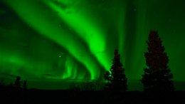 Cosmic Blast Creates Huge Aurora